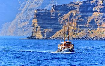 Things To Do In Santorini: Water Activities