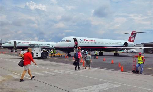 Air Panama Flight to Bocas del Toro
