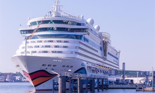 Cruiseship at the Colon 2000 Port