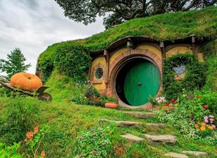 NEW ZEALAND, Hobbiton Movie Set Tours