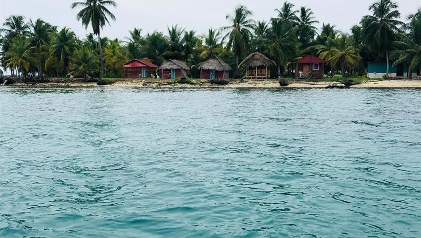 camping 1, Tour de 2 Noches y 3 Días de Camping en Cayos Limones desde la Ciudad de Panamá