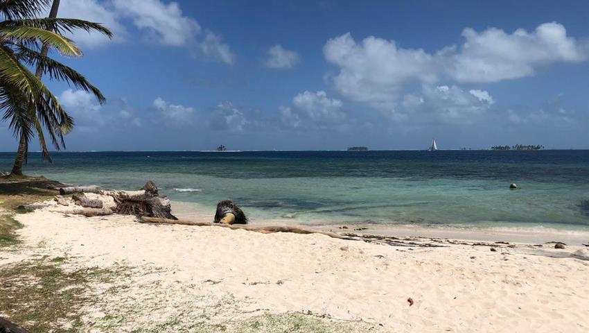 Camping 2, Tour de 2 Noches y 3 Días de Camping en Cayos Limones desde la Ciudad de Panamá