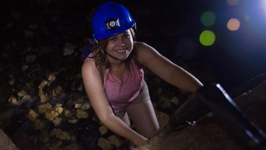 Cave0, 4 Horas de Exploración de Cuevas