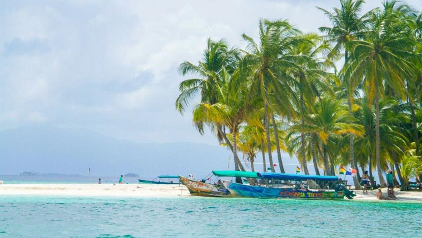 Aguja Island, Aguja Island Tour 1 Night / 2 Days