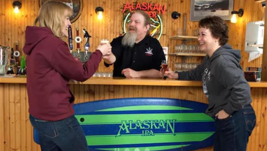 Alaskan Brewery and Tasting Tour Tiqy, Tour Alaska Cervecería y Degustación