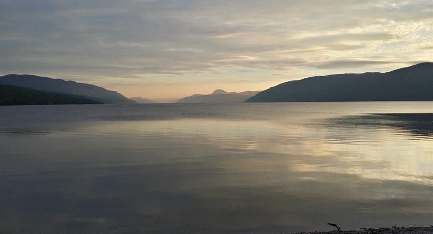 AROUND LAKE NESS TIQY, Alrededor del Lago Ness
