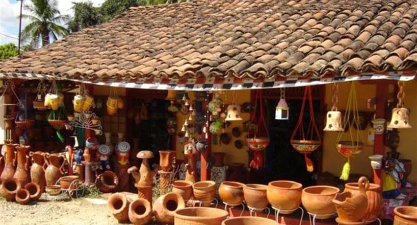 famous artisan house in la arena de chitre - tiqy, Artisan Day Tour