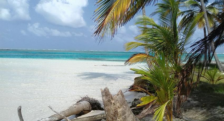 San Blas Paradise, Full Day Tour to San Blas From Panama City