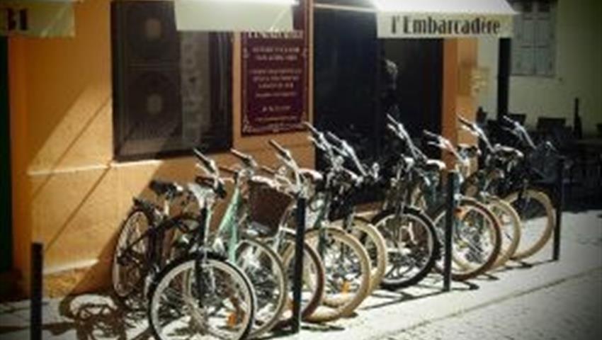 offices, Bike Tour of Bordeaux