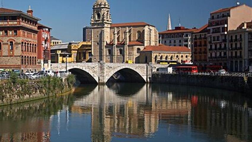 Bilbao in Canoe 1, Bilbao in Canoe