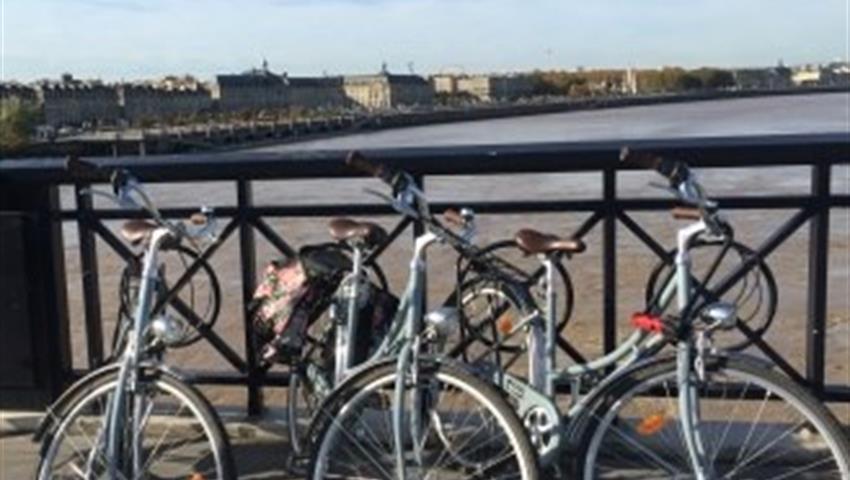 Bordeaux Bike Tour bridge, Bordeaux Bike Tour