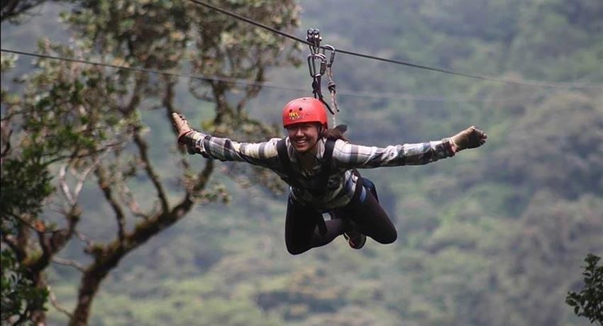 Canopy tours in Costa Rica - Tiqy, 9 Lines Canopy Tour