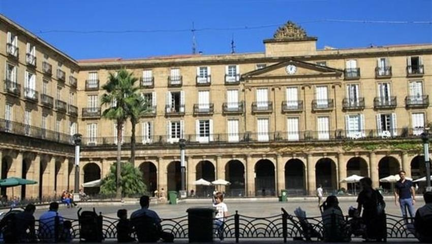 Plaza Nueva, Casco Viejo Tour Bilbao