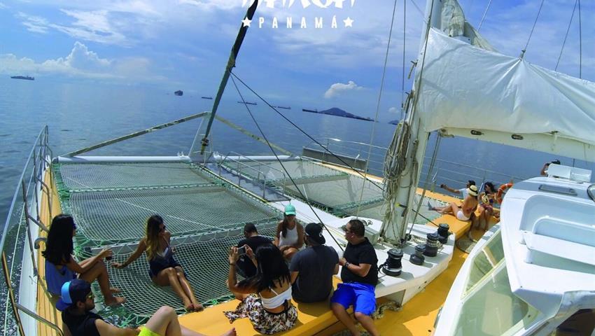 1, Catamarán Todo Incluido a Taboga - Almuerzo