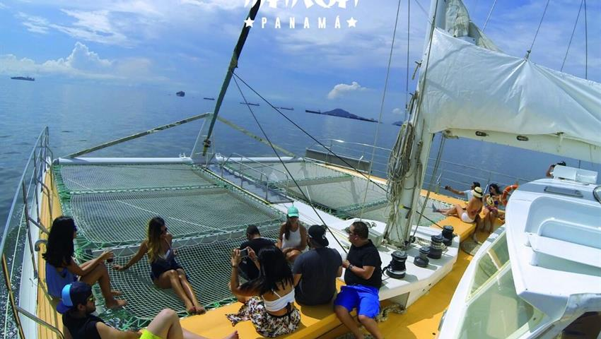 1, Catamaran All Inclusive to Taboga - Lunch