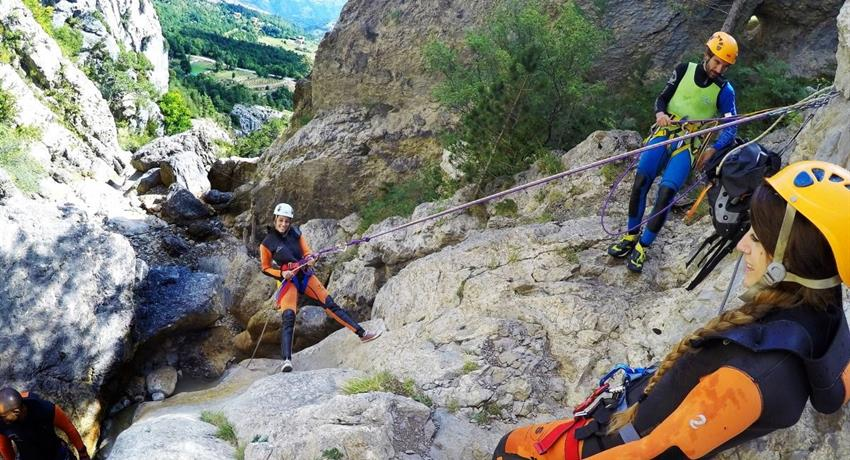 Cayoning in the pyreness from barcelona, Canyoning Adventure in the Pyrenees from Barcelona