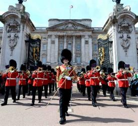 Changing of the Guard Walking Tours