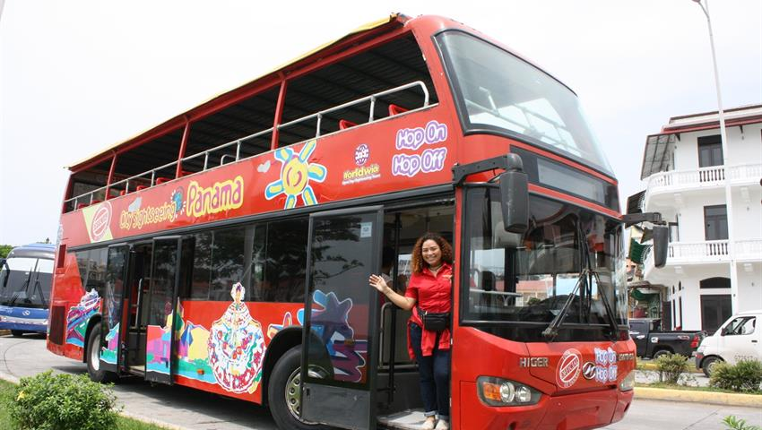 City Tour and Canal Route casco antiguo, Hop-On Hop-Off Bus Tour in Panama City
