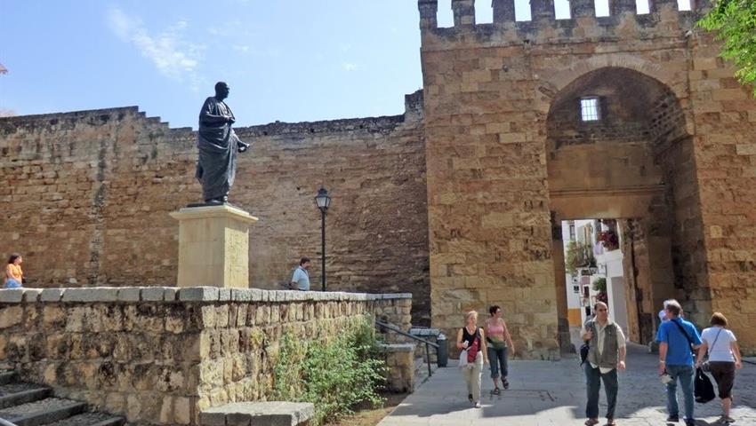 Puerta de Almodovar - tiqy, Cordoba in Segway
