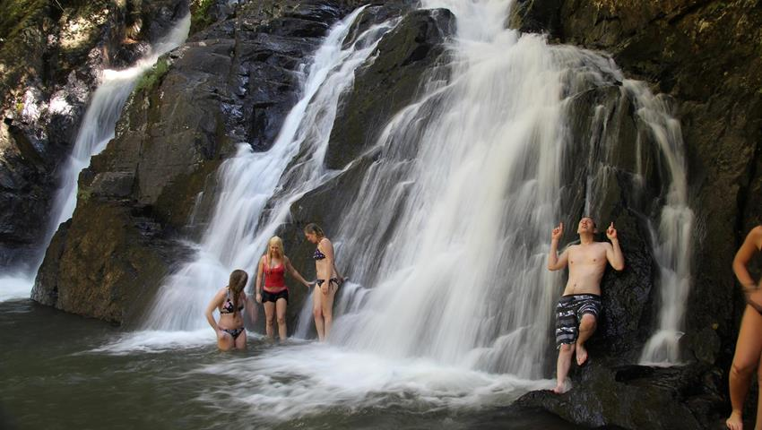 Atherton Tablelands Waterfalls Cairns girls, Day Tour of Atherton Tablelands Waterfalls Cairns