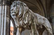 Bayerischer Löwe Vor Der Feldherrhalle - Tiqy, Discover Munich