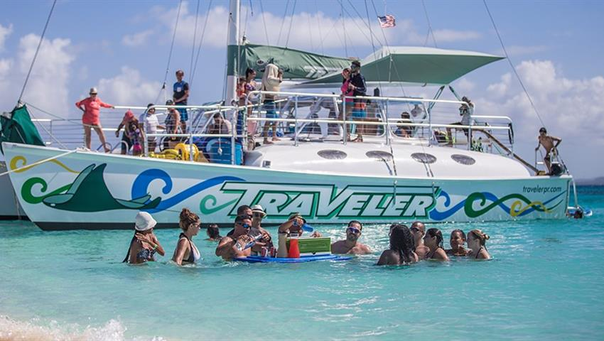 Sailing Catamaran Tour boat and people, Sailing Fajardo Cays Catamaran Tour