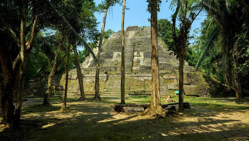 Lamanai Mayan Pyramids in Belize, Lamanai Tour