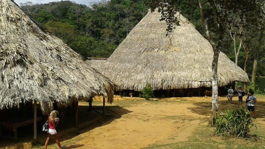 Aldea Embera, Tour de un día en el pueblo de Emberá