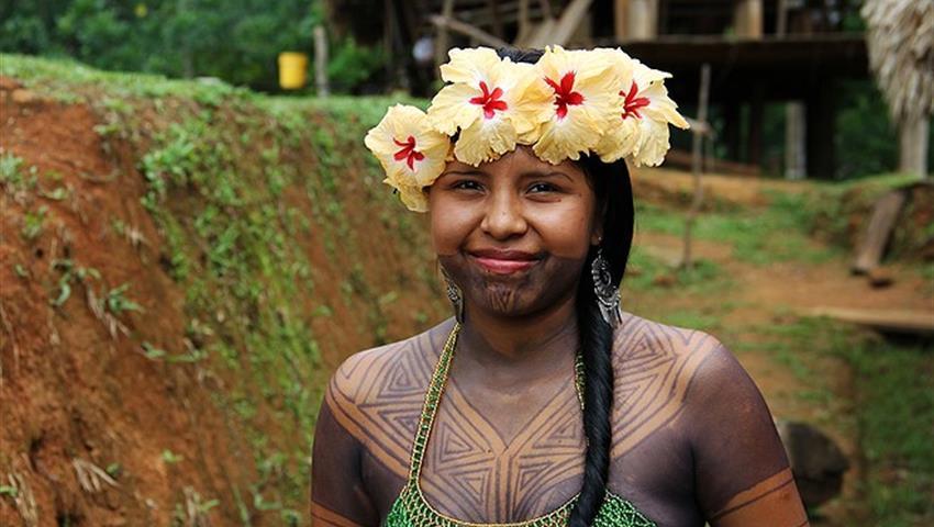 Indigena Embera, Tour de un día en el pueblo de Emberá
