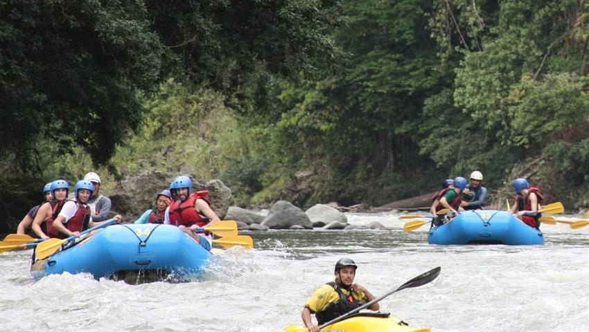 River rafting reventazon, El Carmen Section