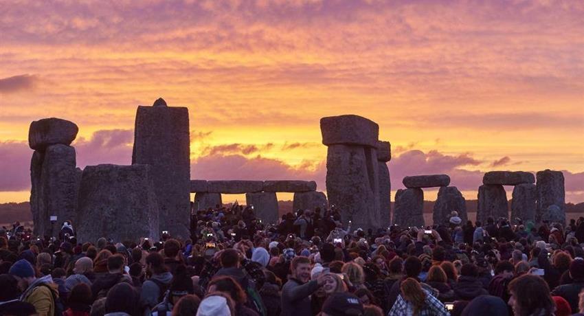 Explore Stonehenge - TIQY 1, Explore Stonehenge