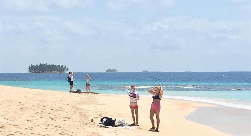 San Blas 2, Full Day Tour to 4 San Blas Islands with Snorkel, Kayak and Paddle Board