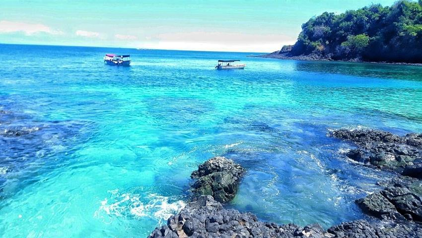 Very blue water..., Tours por Isla Gamez e Isla Bolaños