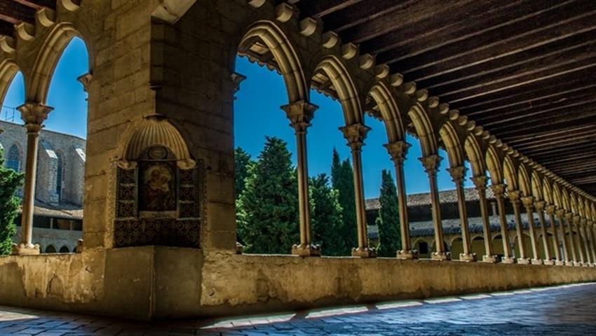 Discover Gaudi Barcelona tour halls, Arquitectura de Gaudi en Barcelona