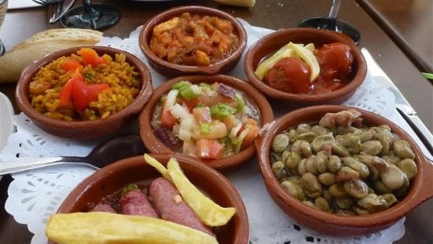 delicious gourmet tapas - tiqy, Tour de Tapas Gourmet en Málaga