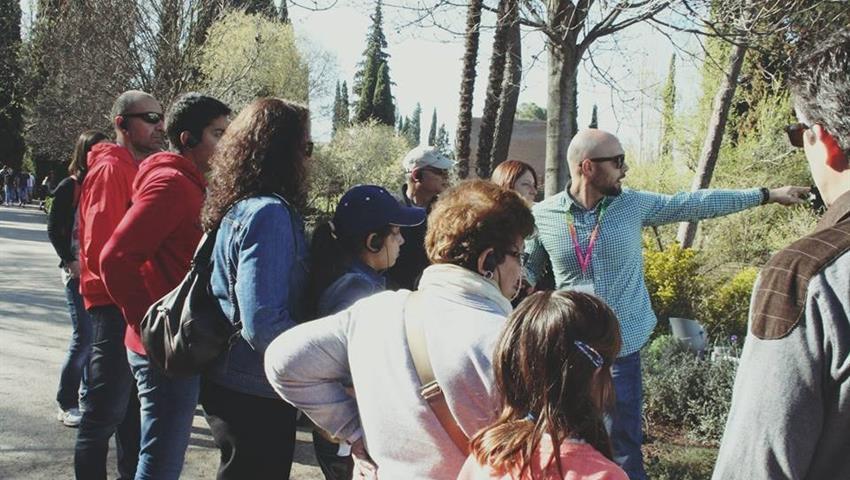 Granada Imprescindible Garnata Tours Local Guide, Granada Essential