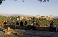 Granada Imprescindible Group Waiting for Albayzin, Granada Essential