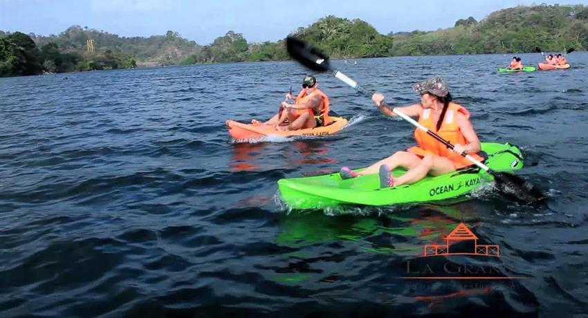 Kayak Colon Panama City, Granja Medium Package