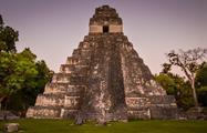 2, Tour a Tikal