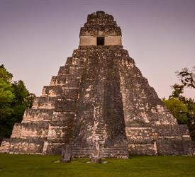 Tour a Tikal
