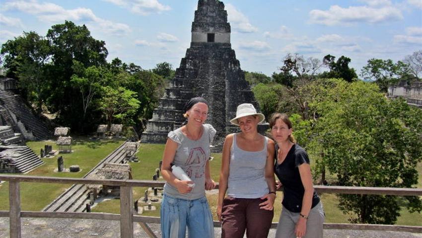 4, Tour a Tikal