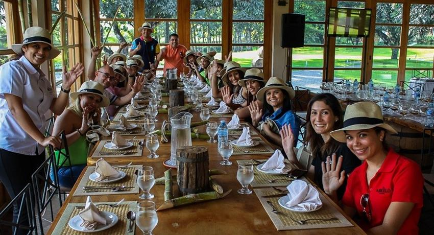 Almuerzo, Guided Tour to The Route of Rum