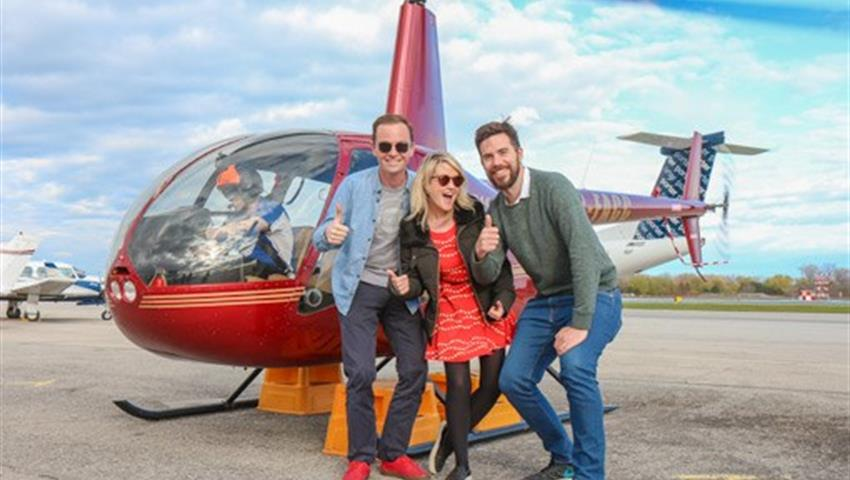Family Pictures, Tour en Helicóptero