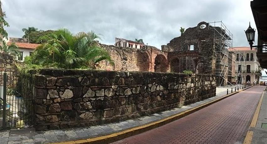 Historical walking tour in the old town, Recorrido Histórico a pie por el Casco Antiguo