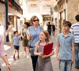 Kids Walking Tour with Activities & Snacks
