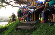 Big group cheering to do canopy - tiqy, Tour de Canopy en el Lago Gatún