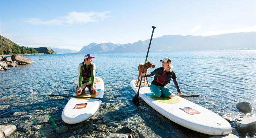 couple tiqy, Lake Escape