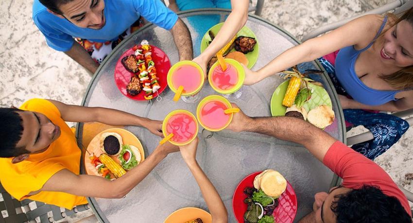 Drinks, Latin American Food 4-Hour Tour