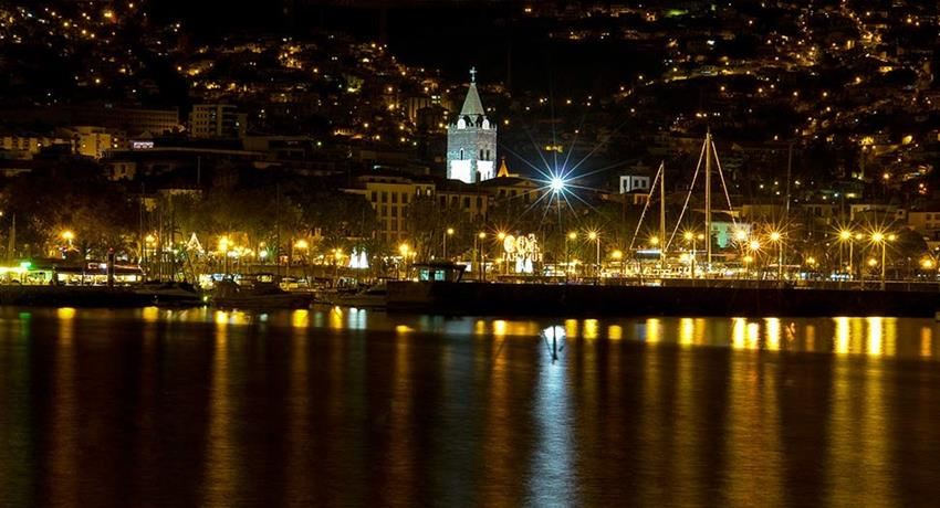 Madeira by Night, Madeira de Noche