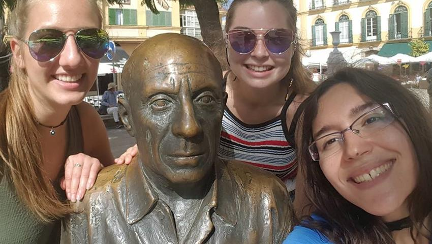selfie with picasso - tiqy, Malaga Free Walking Tour